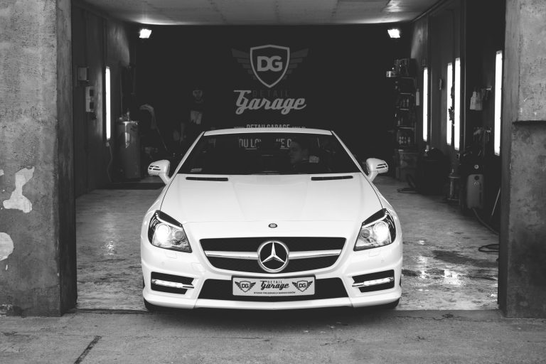 The Essential Guide to Choosing the Best Luxury Car Detailing Service